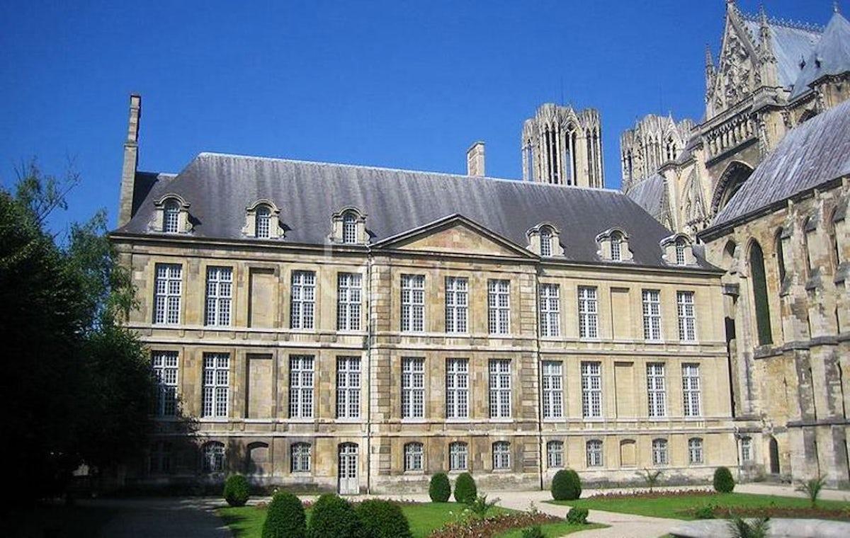 Villa Demoiselle Reims Location