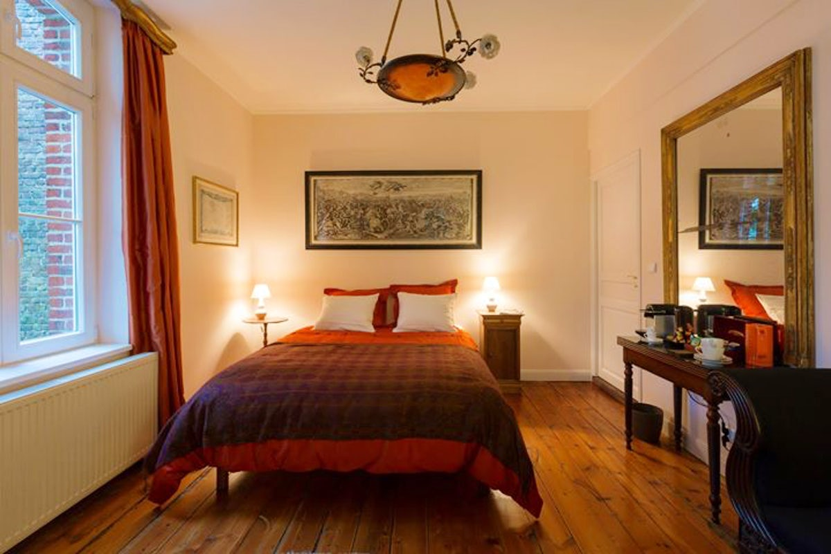 akabou parc itinari. Black Bedroom Furniture Sets. Home Design Ideas