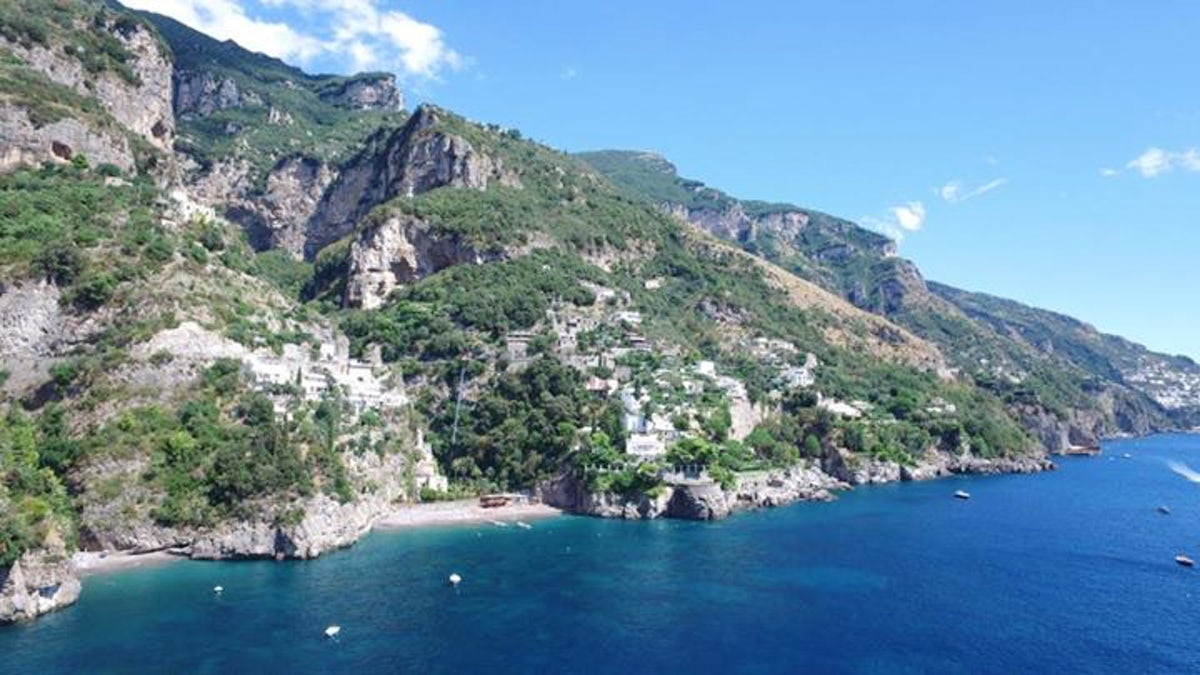 Travel inspired - Location - Bagni d\'Arienzo Beach Club | itinari