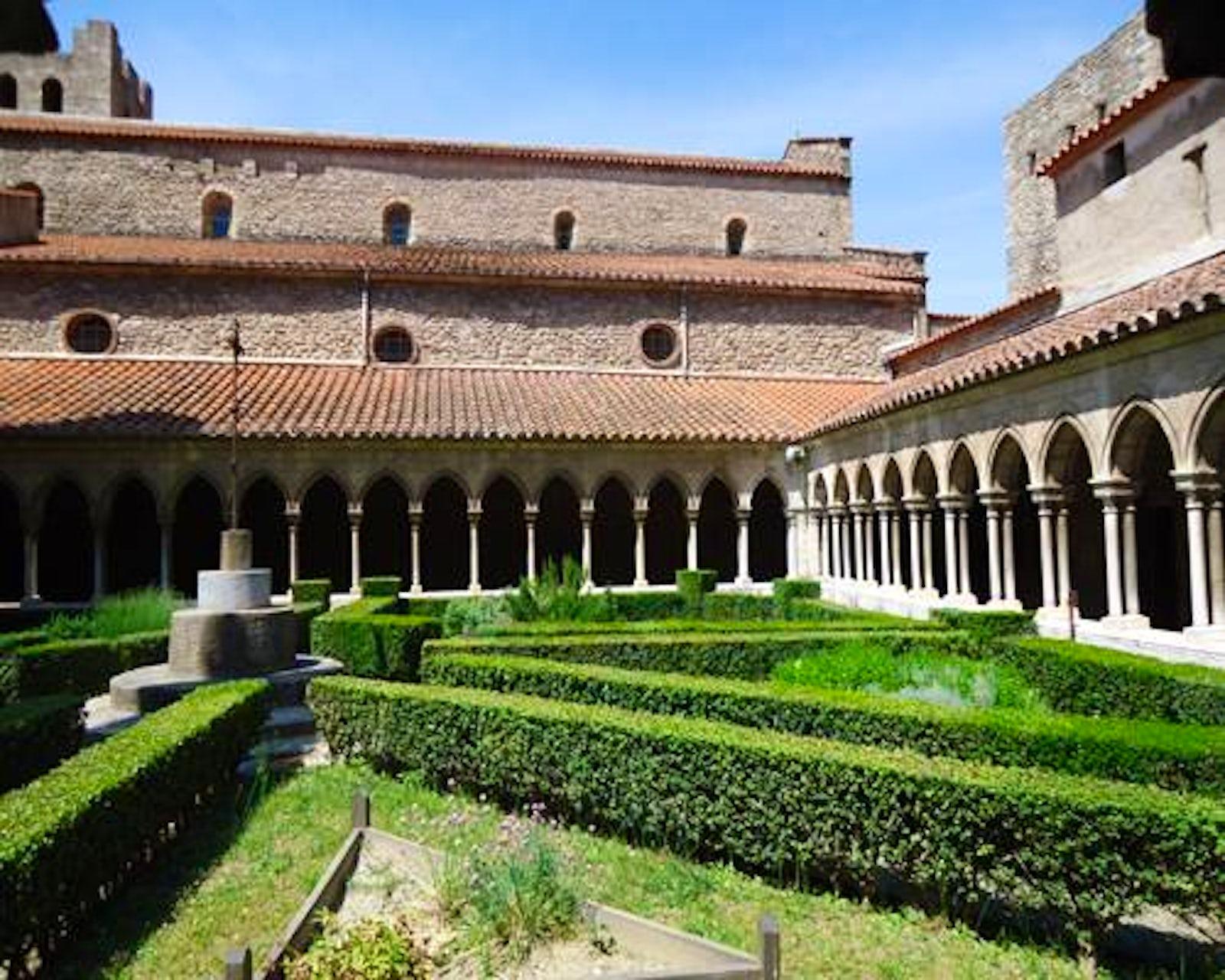 Abbaye sainte marie itinari - Office de tourisme de arles ...