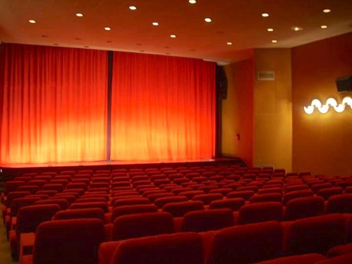 Cinema houlgate casino full tilt poker live chat support
