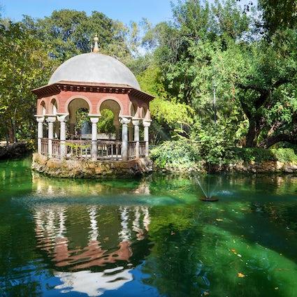Parque de Maria Luisa, largest park in Sevilla
