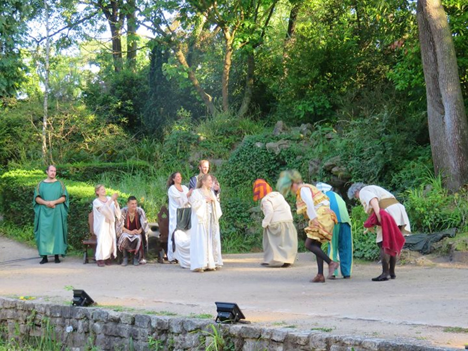 Awesome theatre de verdure du jardin pictures awesome - Theatre de verdure du jardin shakespeare pre catelan ...