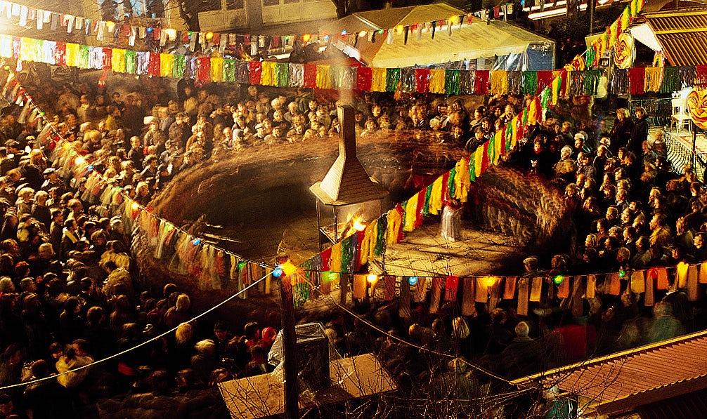 """Carnival in Kozani, the """"fanoi"""" tradition"""