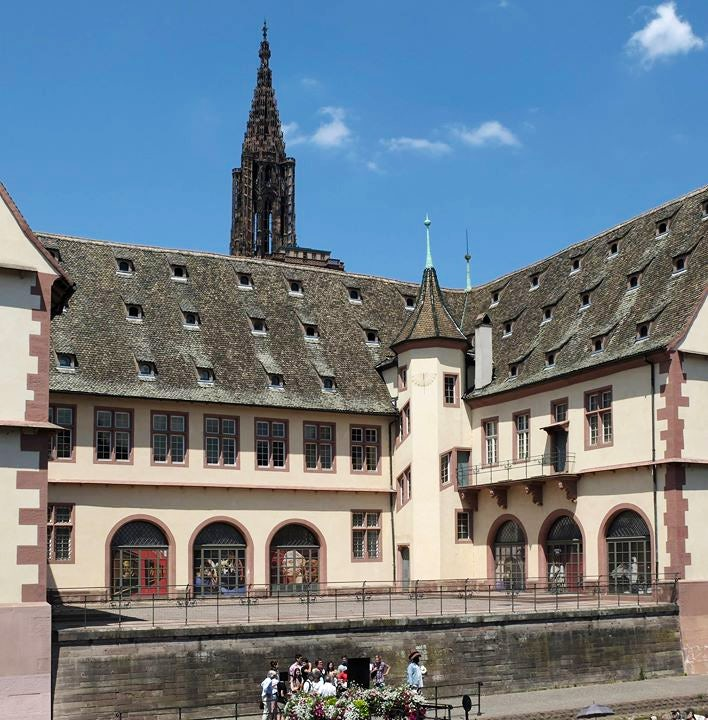 La maison rouge strasbourg awesome cathdrale de strasbourg with la maison rouge strasbourg la - Zone commerciale vendenheim ...