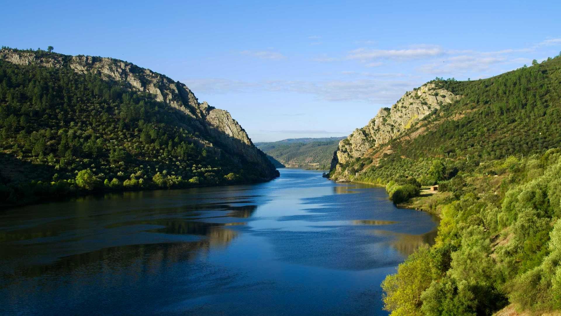 Amazing river beaches along the Tejo