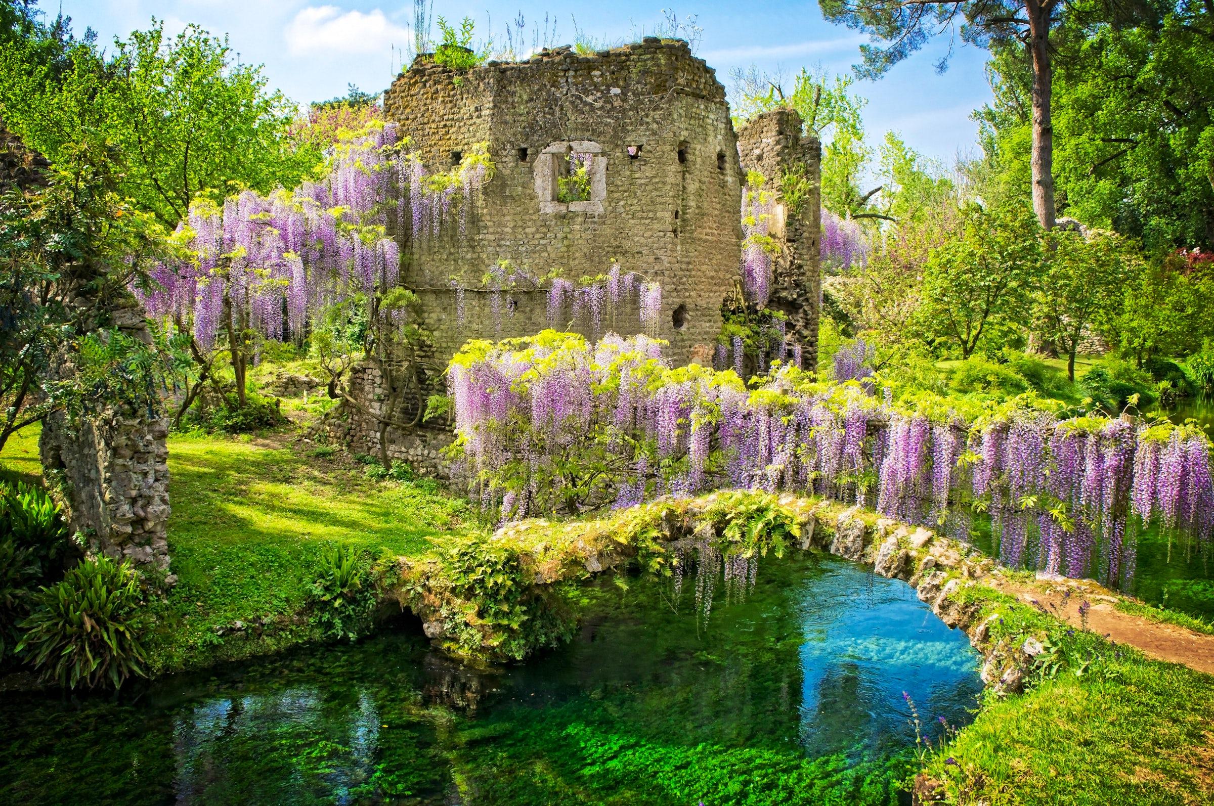 A Magic Garden Il Giardino Di Ninfa Itinari