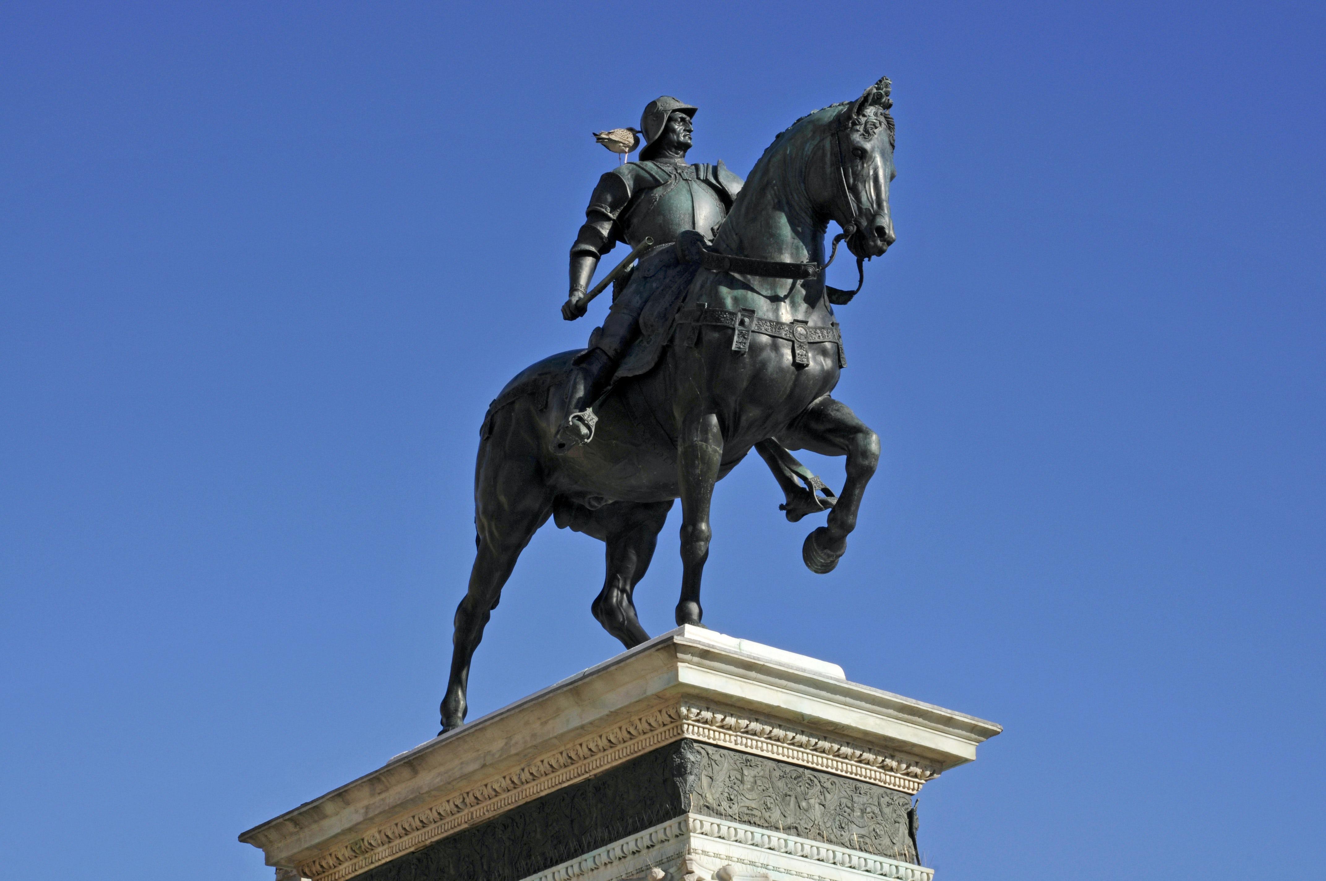 "Explore Northern Italy reading André Suarez greatest novel, ""Voyage du Condottiere"""