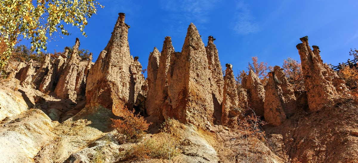 The Wonder of The World: Devil's Town
