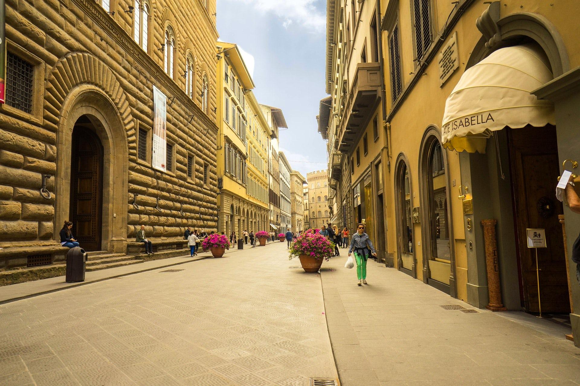 Università degli Studi di Firenze - UniFI- A short guide to the student life