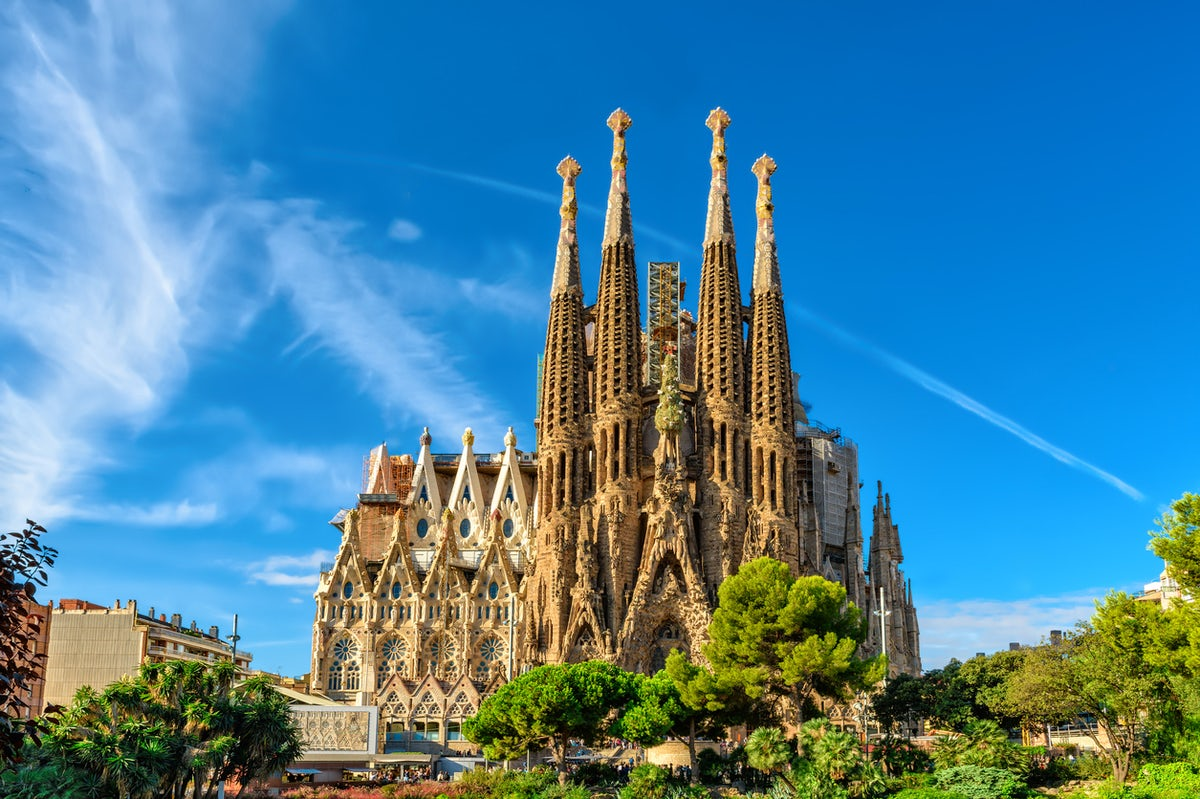 La Sagrada Familia; Hidden secrets & mysteries!