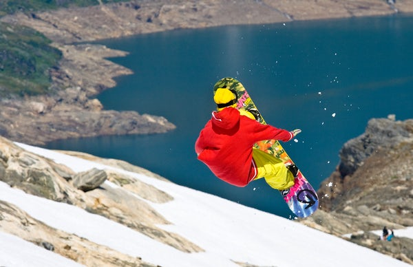 Summer ski and snowboarding in Folgefonna