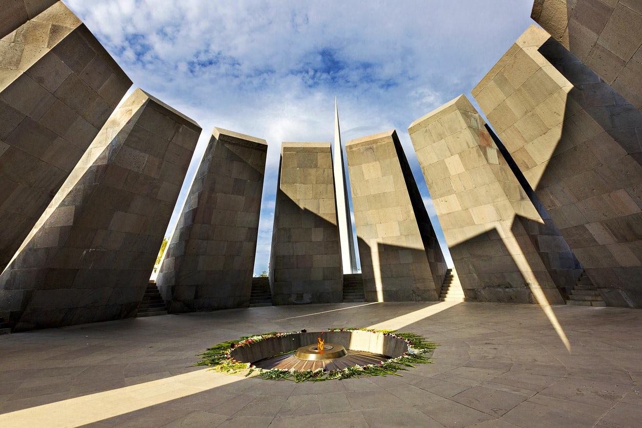 Tsitsernakaberd: Armenian Genocide Memorial
