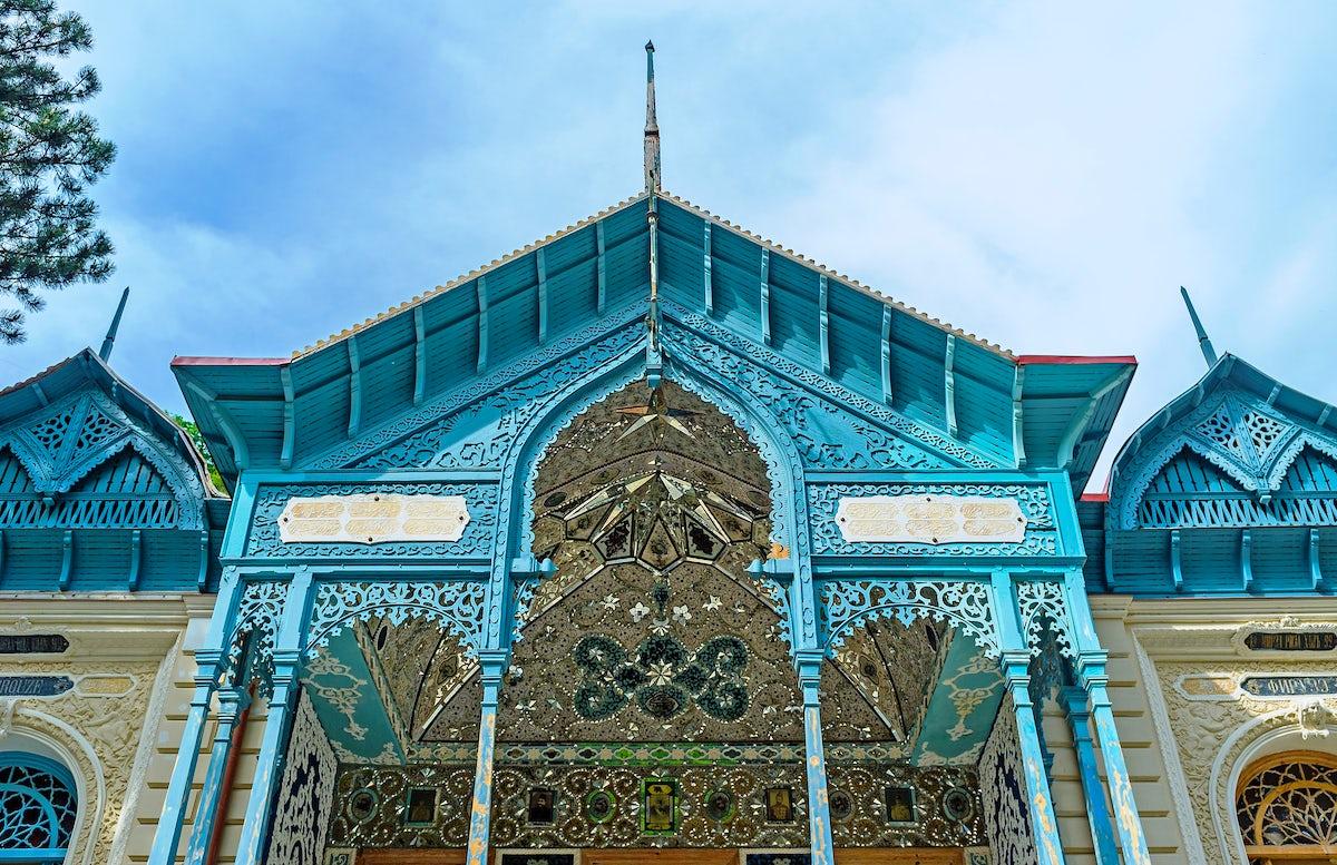 Firuza – A Magnificent Persian Palace