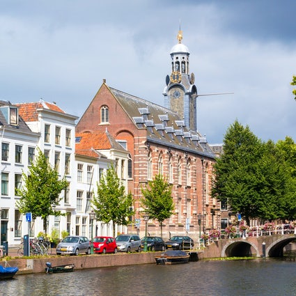Leiden University ; A short guide to the student life.