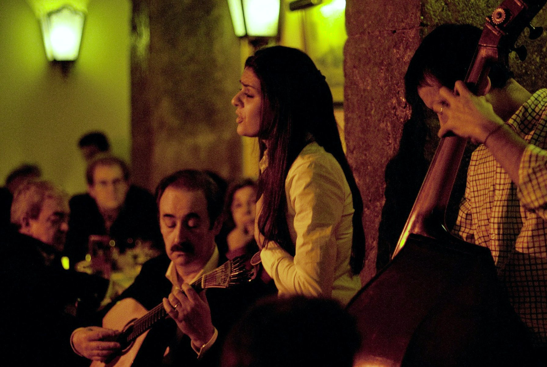 A tour around the Fado houses of Lisboa