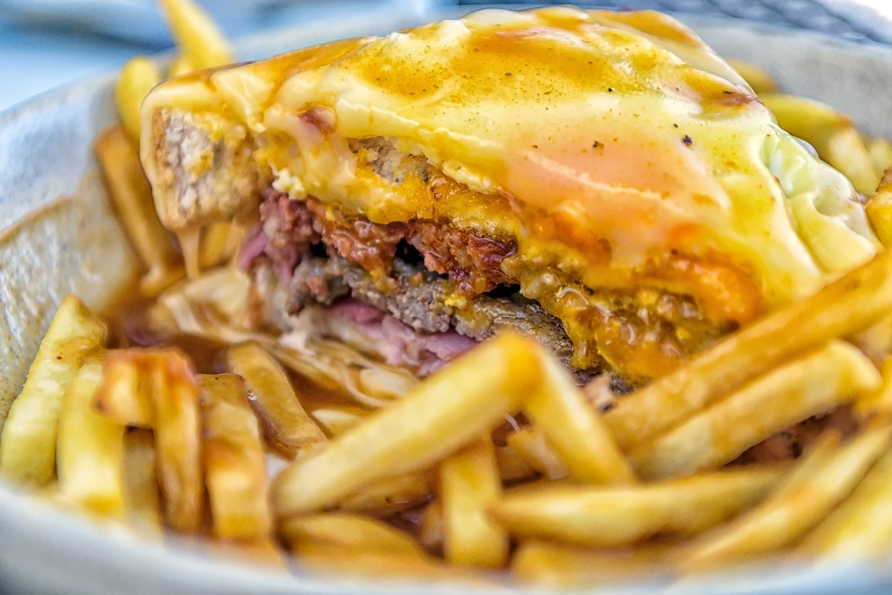 """The story of the Portuguese """"Francesinha"""""""