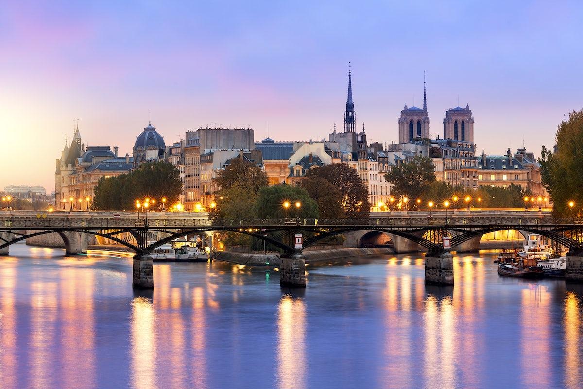 Your first trip to Paris, Ville Lumière