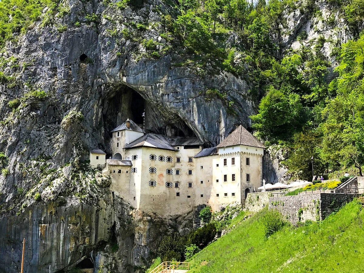 The legend of a knight – Predjama Castle
