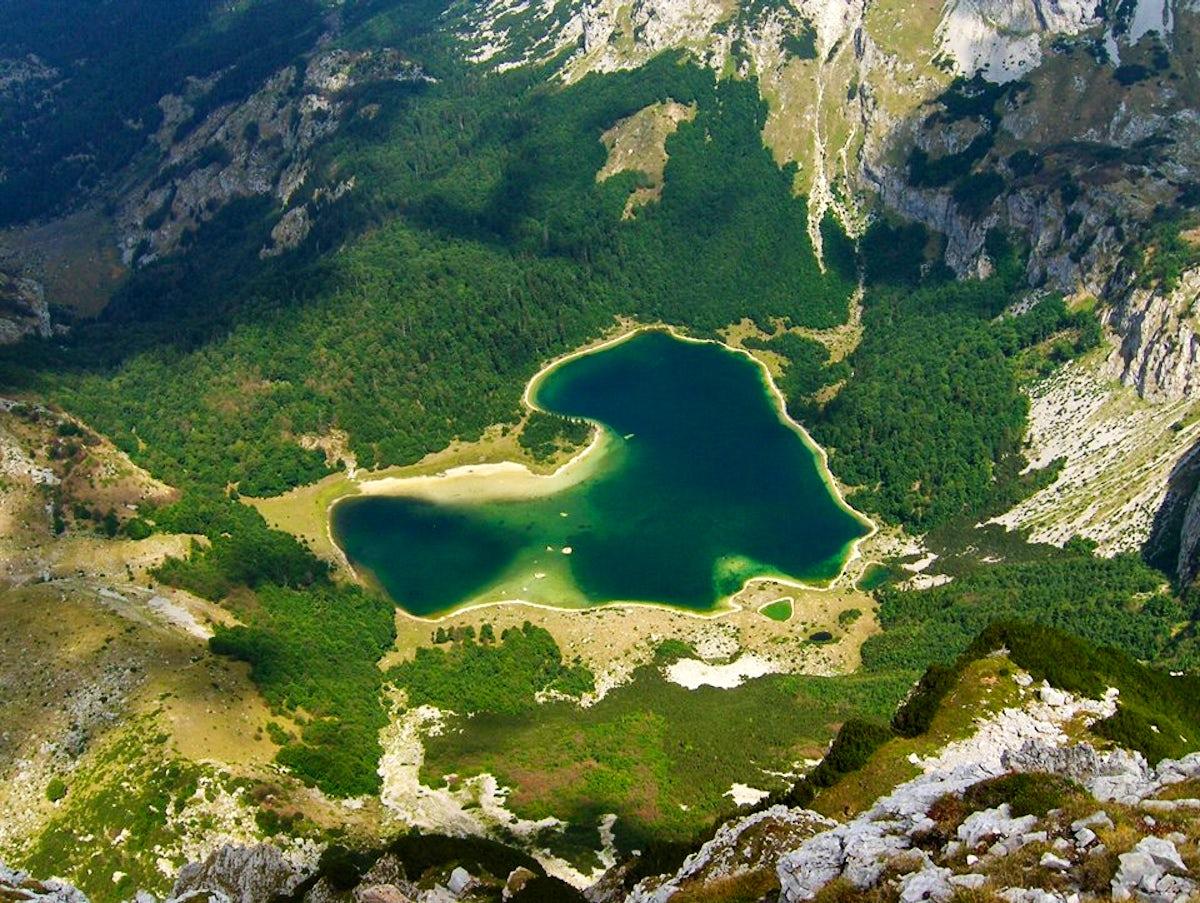 A heart-shaped emerald - Trnovačko Lake