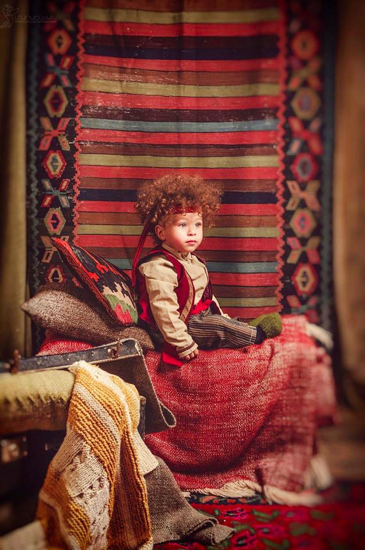 Take a photo in Armenian national dress Taraz