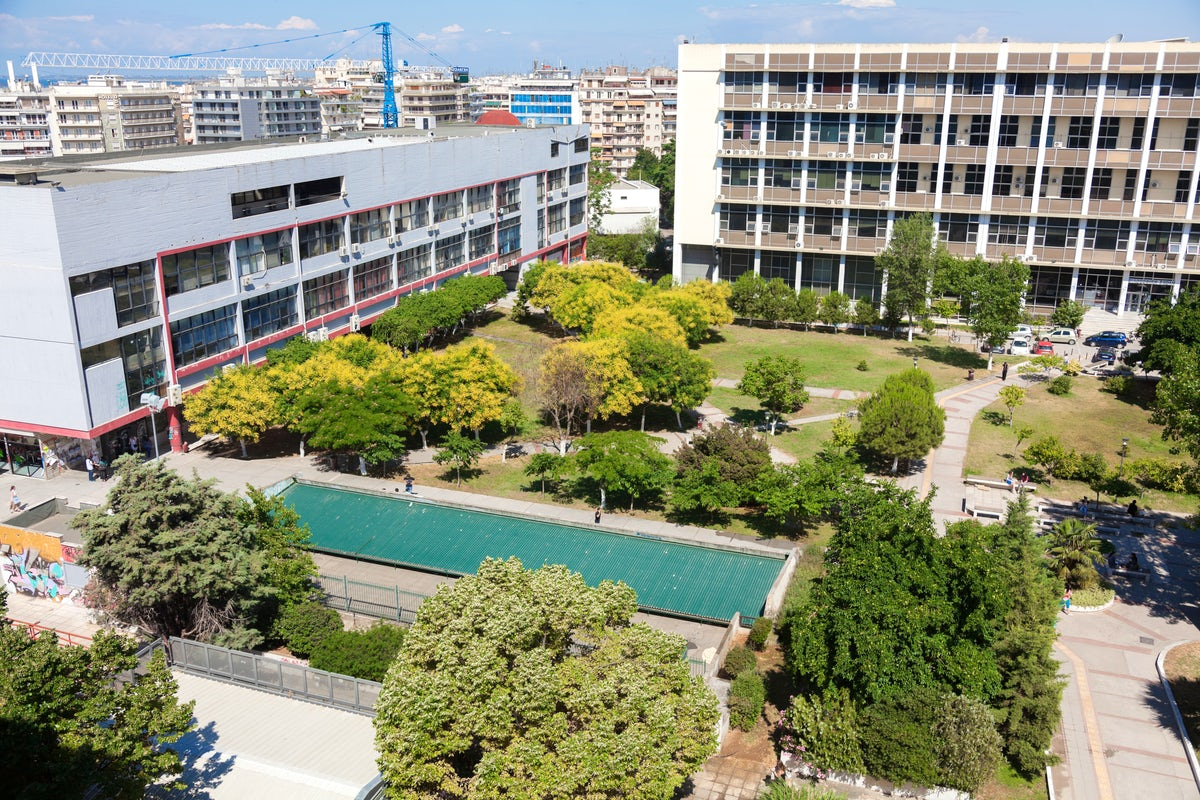 Welcome to the Aristotle University of Thessaloniki - A short guide to the student life